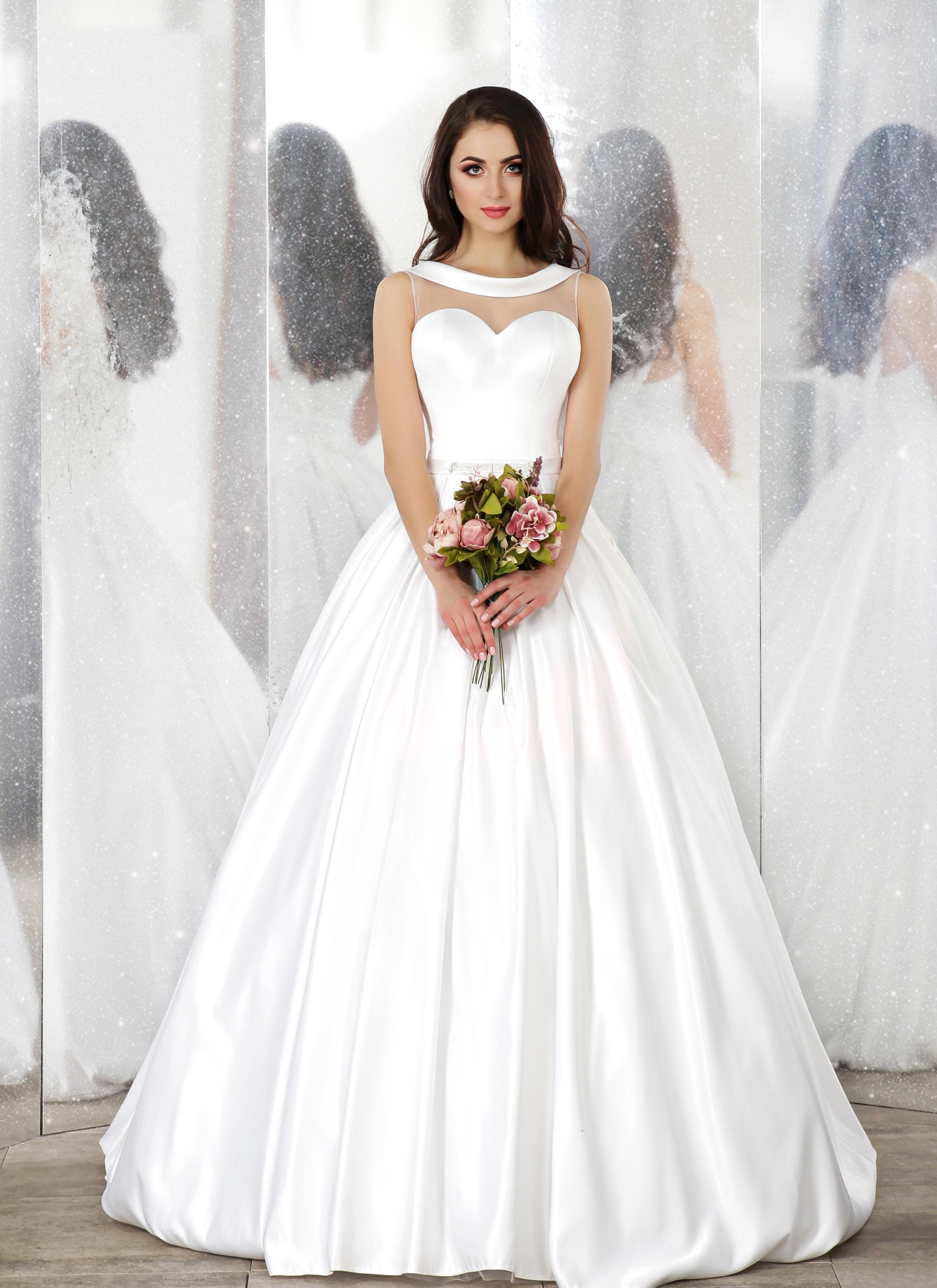 160011 abito da sposa Unique Fashion Verona